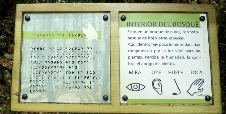 Atril en lenguaje braille