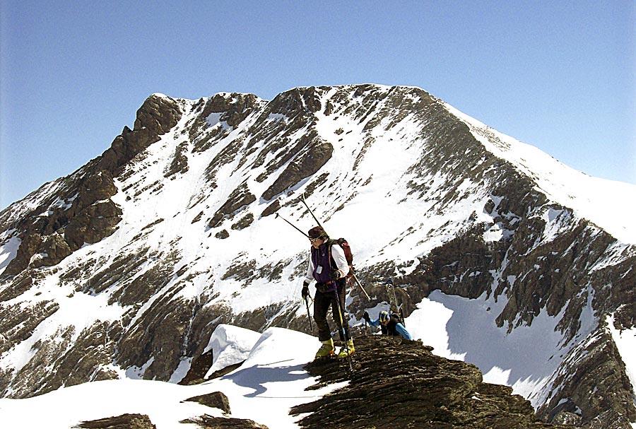 Esquí de montaña por el Chinipro. Foto: Javier Alvira (MAB).