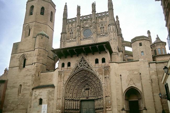 Ruta del Santo Grial, catedral de Huesca.