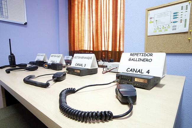Sala de radio enlaces con refugios y puntos de control (Escuela de Montaña de Benasque).