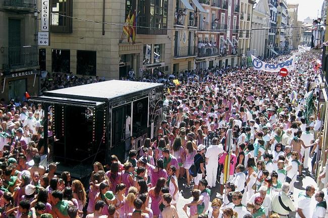 La calle es el escenario principal de la fiesta (foto: Conchi Arnal).