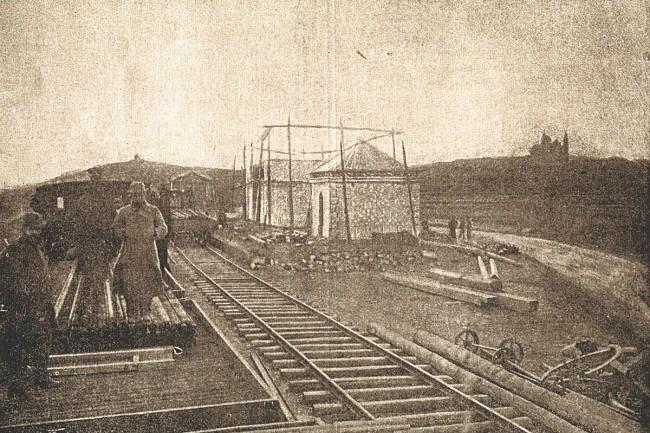 Construcción de la estación de Samper de Calanda.