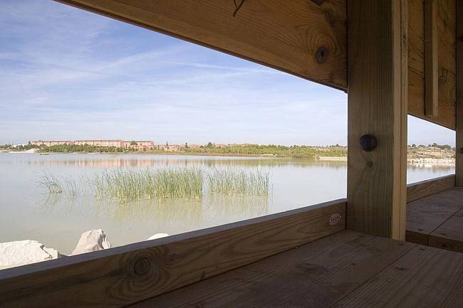 Oobservatorio de aves en la estanca del Gancho, Ejea de los Caballeros (foto Archivo Prames).