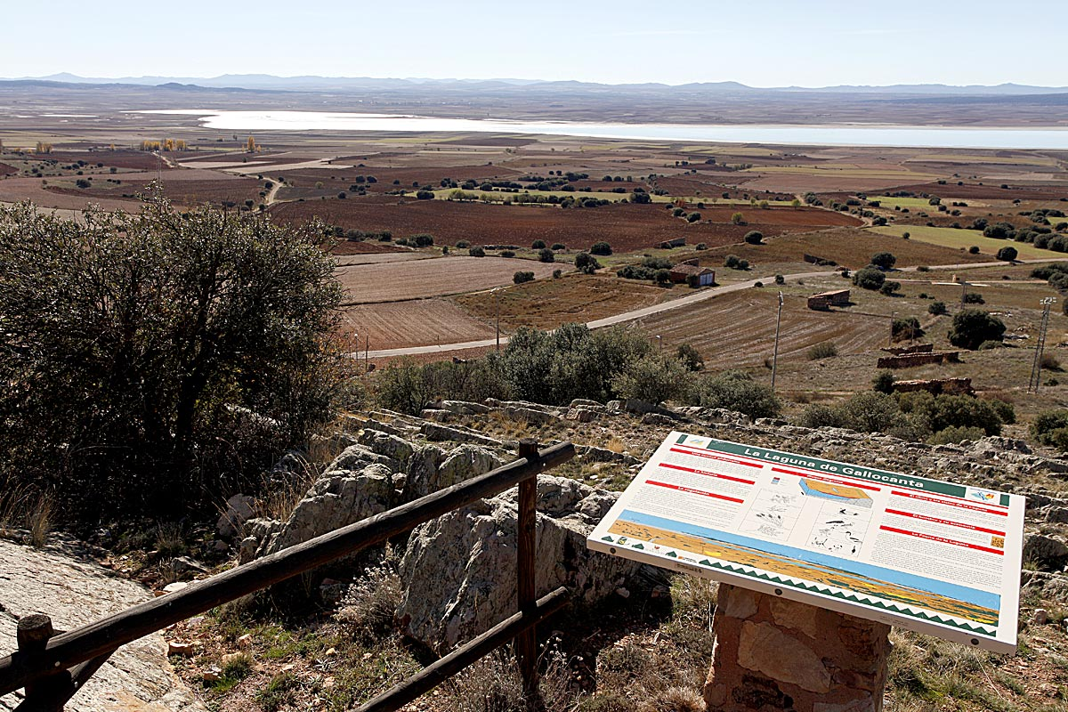 Resultado de imagen de Castillo de Berrueco  laguna gallocanta