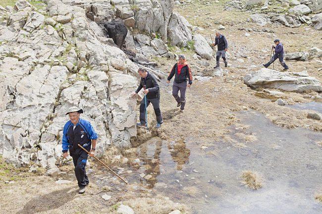 Algunos montañeros, Como Antonio Cosculluela, aprovecharon para conocer el entorno del refugio.