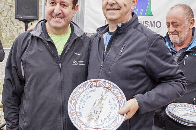 Luis Masgrau con José Antonio Túnica, secretario de Montanuy.