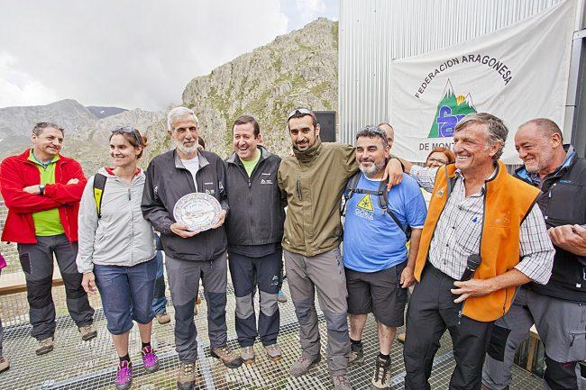 Jesús Rivas, presidente de Prames, recogió el plato entregado a la empresa constructora y a su equipo.