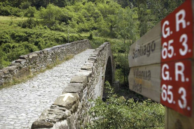 Puente medieval de Canfranc..