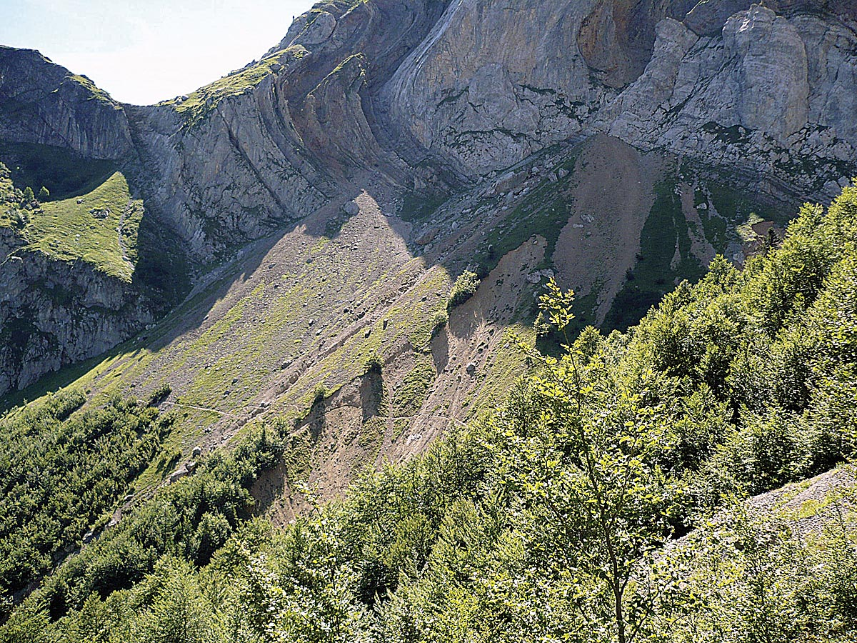 GR 11, Chorrota del Aspe.