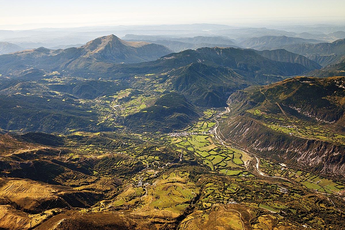 Vista aérea del valle de Benasque.