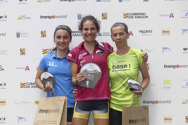 Ganadoras de la Vuelta al Molino de Cerler: 1ª Clara RUIZ (01:18:13), 2ª Alina STROIA y 3ª Pilar VAL.