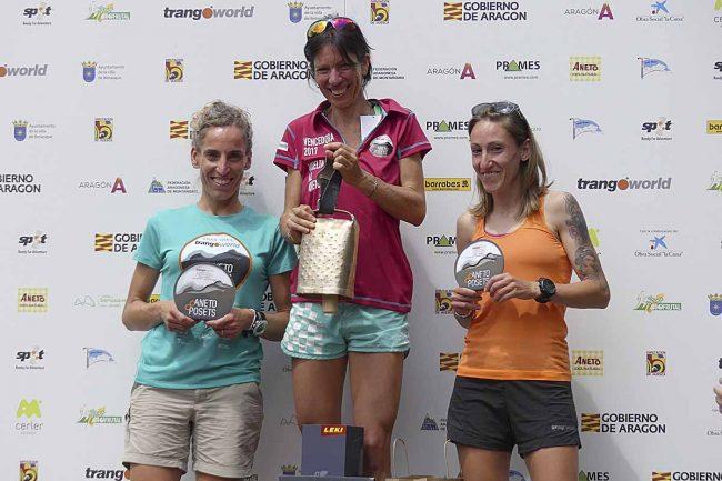 Ganadoras de la Vuelta al Aneto (absoluta femenina):1ª  Marie Noelle BOURGEOIS (09:40:01), 2ª María IRIGOYEN DE MENDIZABAL, y 3ª Soraya GÓMEZ NAVARRO.