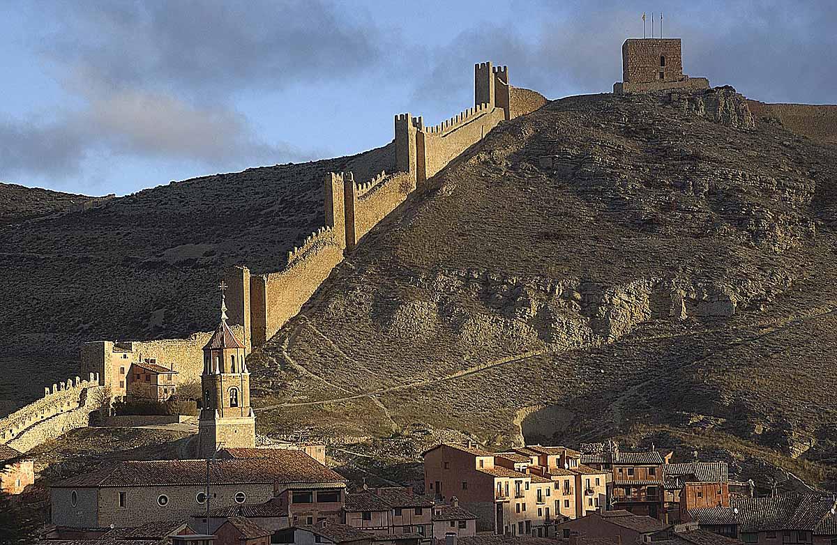 La bella Albarracín y su muralla