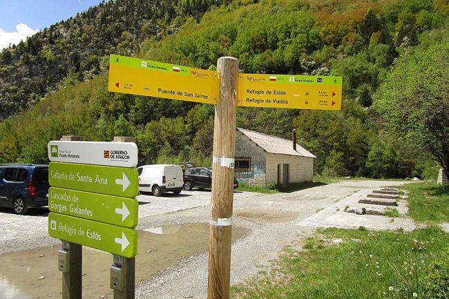 Refugio de Estós por el GR 11: junto al puente de San Jaime.