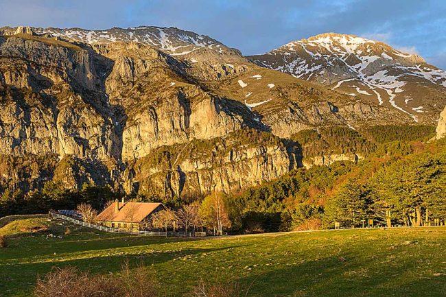 Refugios de montaña a pie de carretera