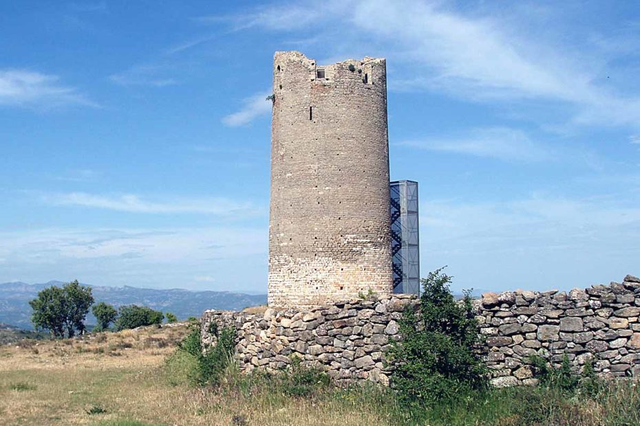 Torre vígía del castillo de Viacamp.