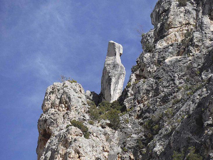Imagen de portada de Lítica, 100 piedras singulares de Teruel