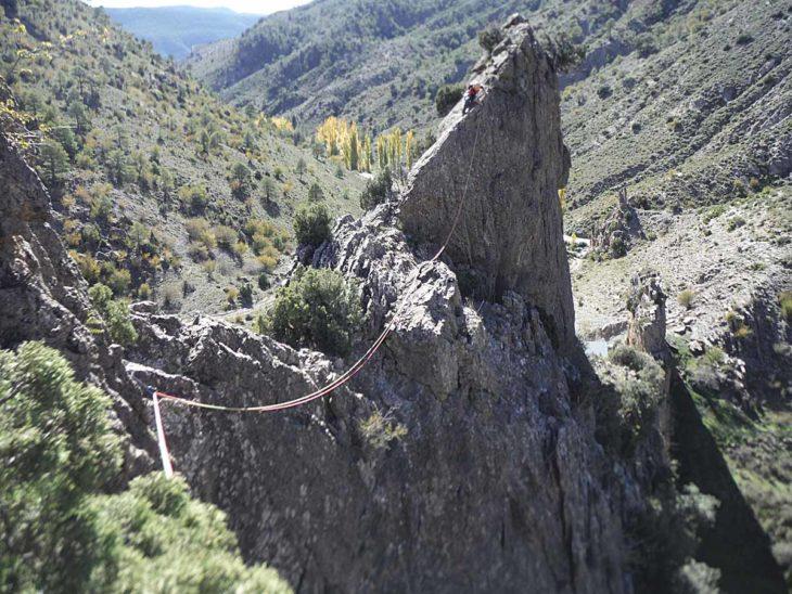 Cresta de los Tres Ríos en Arcos de las Salinas
