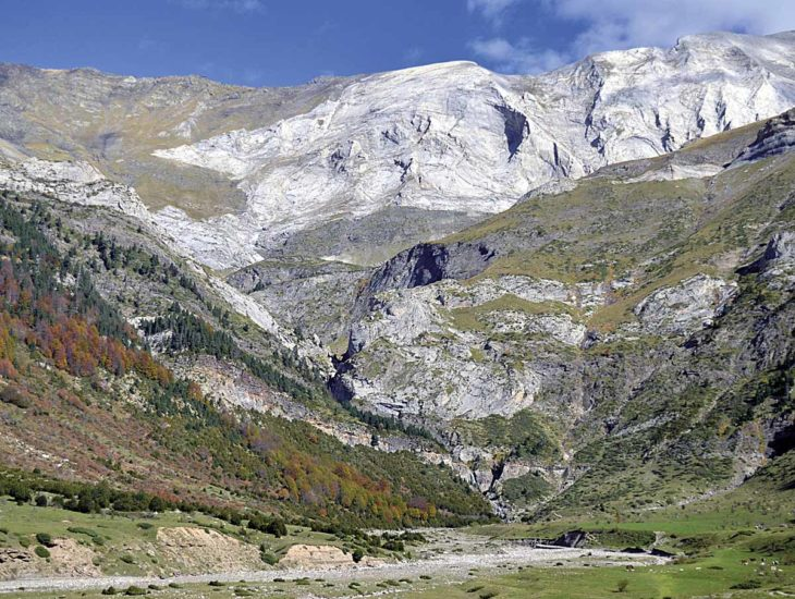 Llanos de la Larri, valle de Pineta