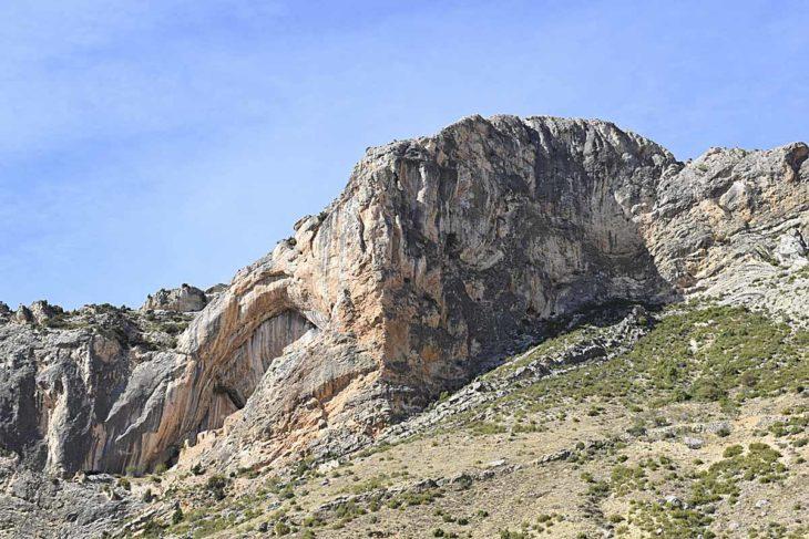 Aristas y crestas de Teruel, Ladruñán